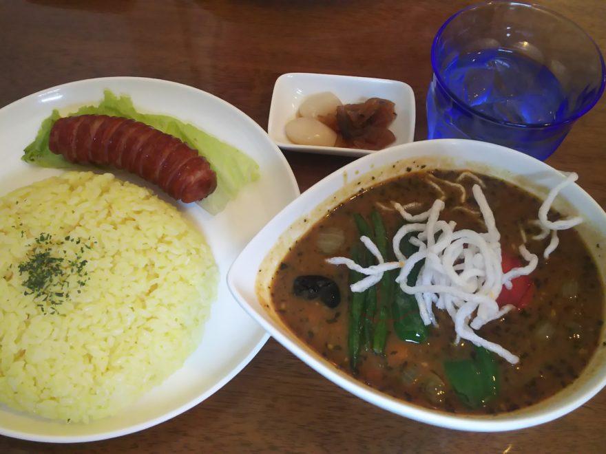 スープカレー(ライス大・ソーセージトッピング)