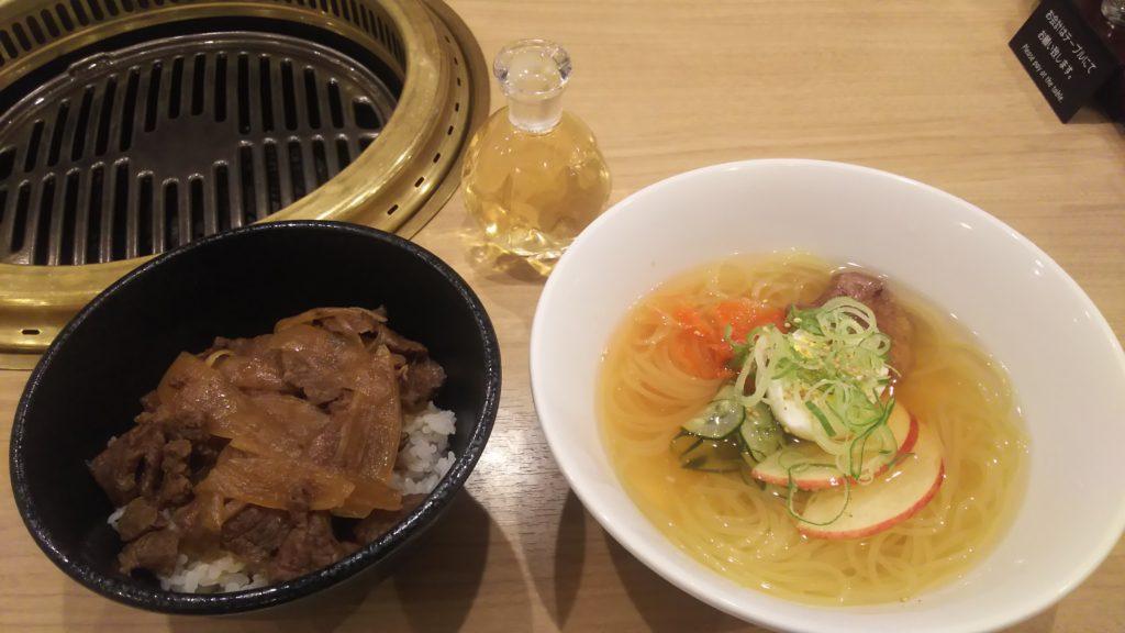 冷麺と牛丼のセット