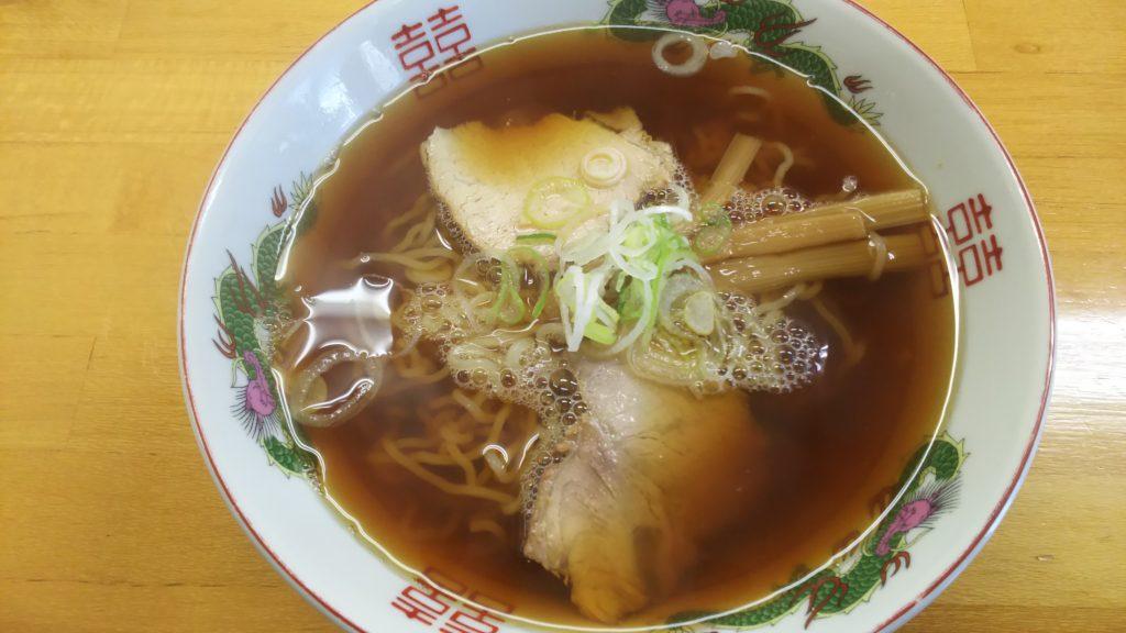 ラーメン(中500円)