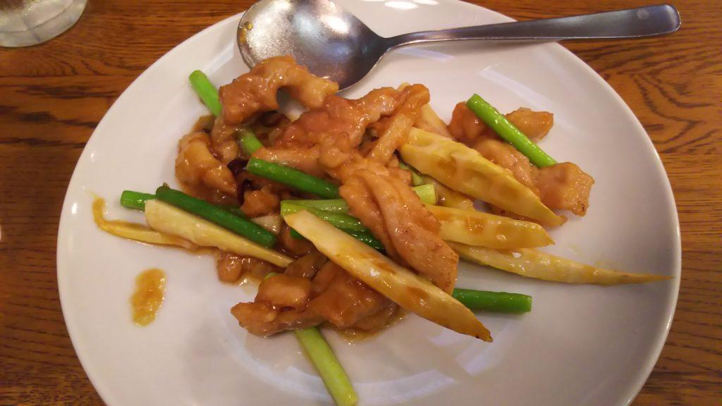 鶏肉と細竹の唐辛子炒め
