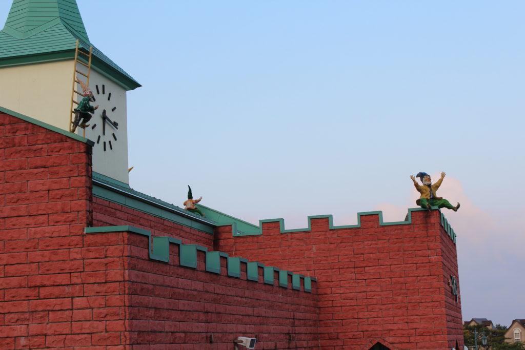 ウエスパ椿山売店の屋根
